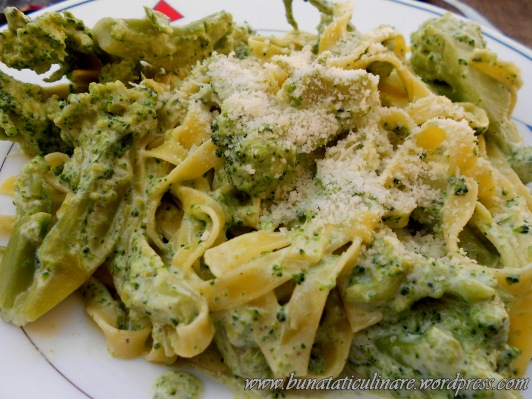 Tagliatelle cu broccoli
